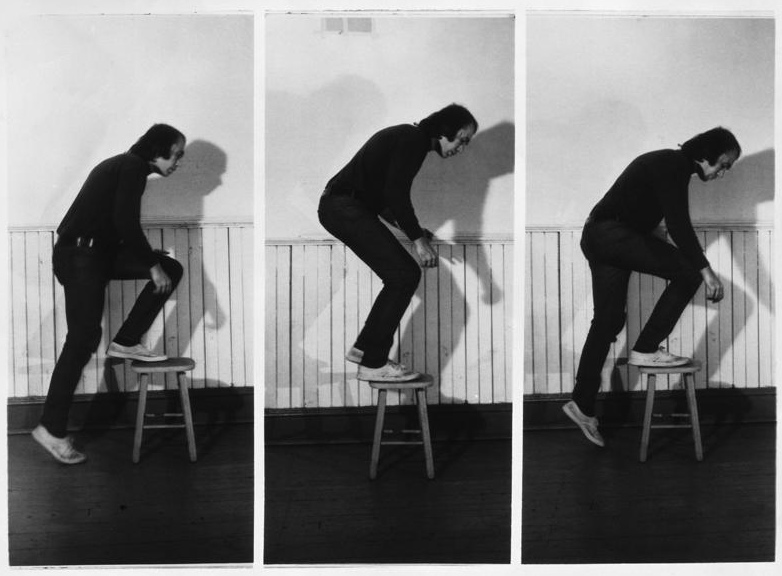 Vito Acconci, Step Piece (document of the activity), 1970, collection Fotomuseum Winterthur